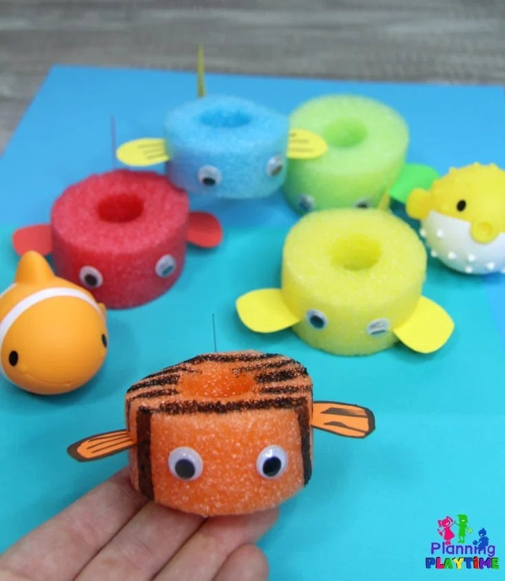Pool Noodle Fish for Preschool Ocean Dramatic Play #preschool #dramaticplay #underthesea #oceantheme #fishcraft #oceancraft
