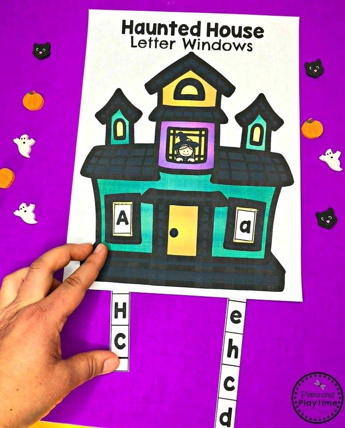 Preschool Letter Matching Slider - Halloween Haunted Letter House #halloweenworksheets #preschoolworksheets #planningplaytime