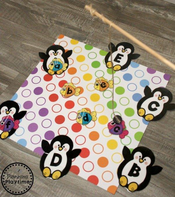 Arctic Animals Letter Matching Game for Preschool #arcticanimals #preschoolactivities #planningplaytime #letterrecognition