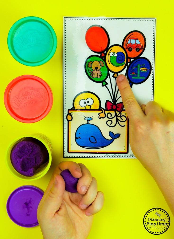 Kindergarten Rhyming Words Activities - Rhyming Balloons #planningplaytime #rhymingwords #kindergartenworksheets #rhymingworksheets #literacyworksheets