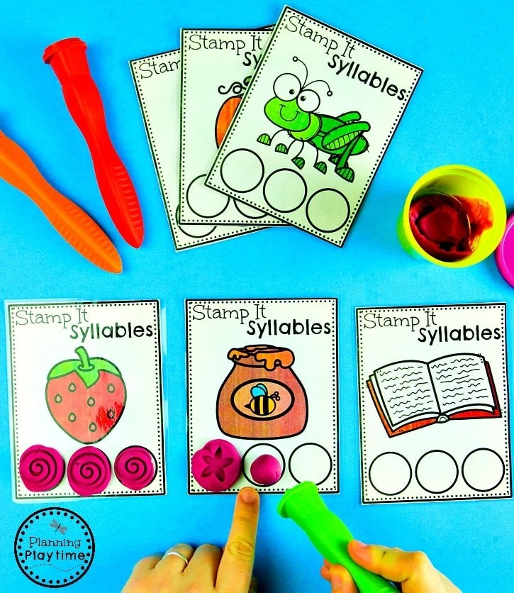 Syllables Stamping Game - Fun Syllables Activities and Worksheets #syllables #syllablesworksheets #kindergartenworksheets #planningplaytime