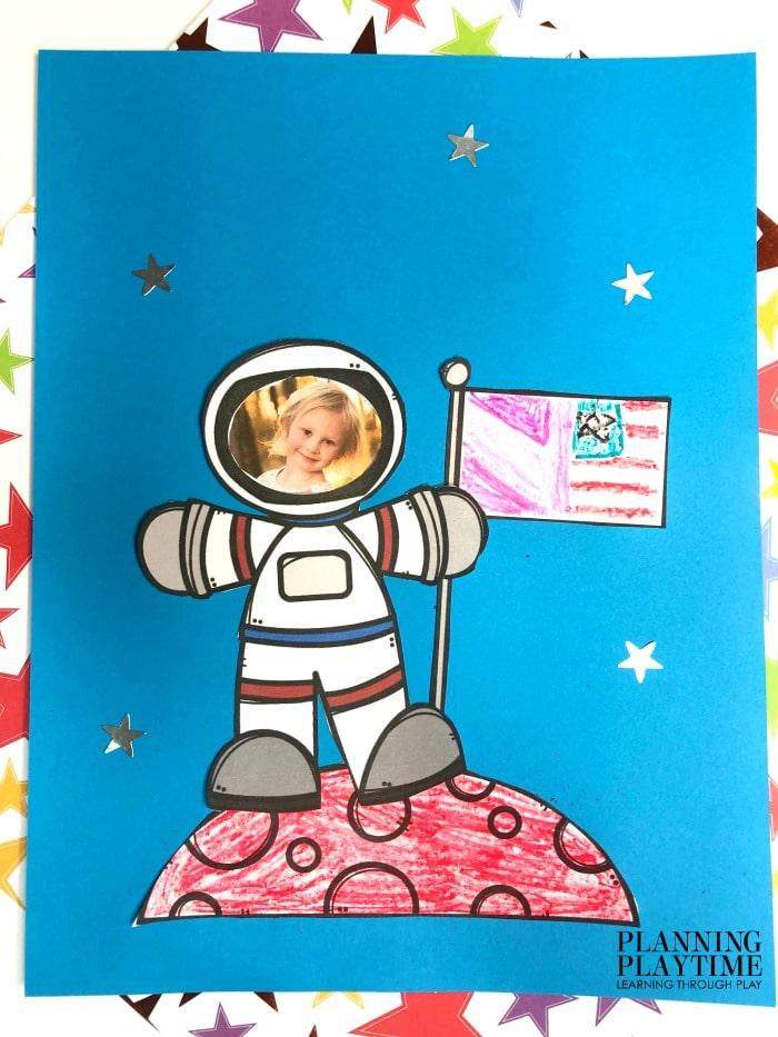 Space Theme Craft for Preschool #spacetheme #preschoolworksheets #preschoolactivities #preschoolprintables #preschoolcraft #planningplaytime