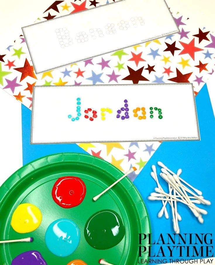 Name Tracing worksheets and Printables - Qtip Painting Name Cards - Editable #preschoolworksheets #nameworksheets #preschoolprintables #nametracing #backtoschool #planningplaytime