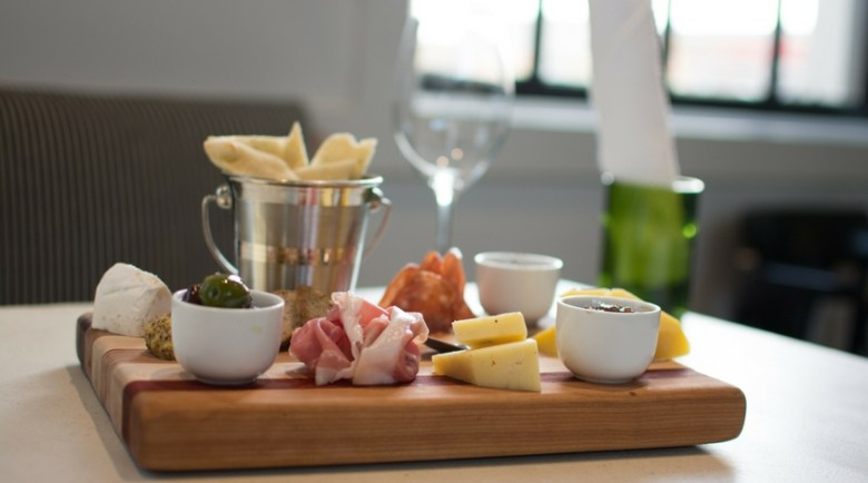sixty-vines-cheese-platter