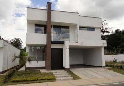 fachadas-de-casas-modernas-de-dos-pisos34