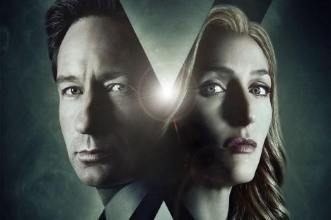 FÉVRIER   La vérité est ailleurs... et n'a visiblement pas encore été établie par les agents Fox Mulder et Dana Skully qui reviennent pour une nouvelle saison de la série X-Files. Image: © FOX LIRE L'ARTICLE: https://planscultes.ch/2016/02/19/un-choix-judicieux-pour-x-files/