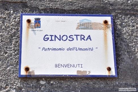 Toujours côté cinéma, le Stromboli a aussi été source d'inspiration, en 1950, pour le réalisateur italien Roberto Rossellini. Dans le film, l'intrigue se déroulerait au cœur du village du Ginostra. © David Trotta