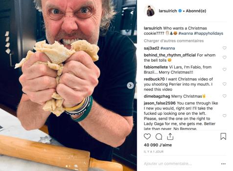 Son ami et comusicien, le batteur de Metallica Lars Ulrich, en pleine préparation de biscuits.
