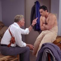 Méga star de Ben Hur notamment, Charlton Heston donne la réplique à Joey dans la saison 14 de la saison 4.