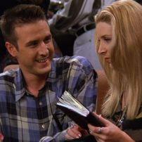 Époux durant longtemps de Courntey Cox, Monica dans la série, David Arquette a été invité le temps d'un épisode au cours de la saison 3.