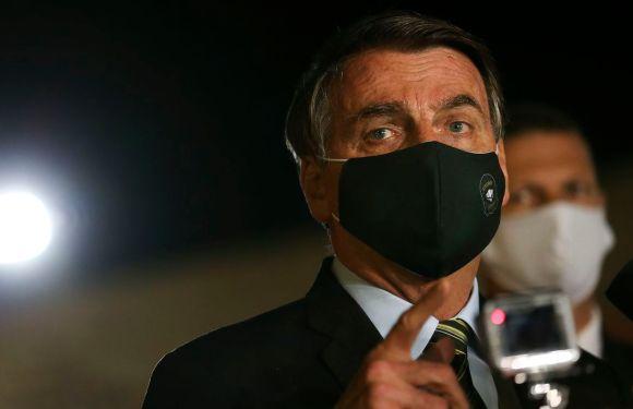 Bolsonaro usa redes sociais para defender abertura do comércio