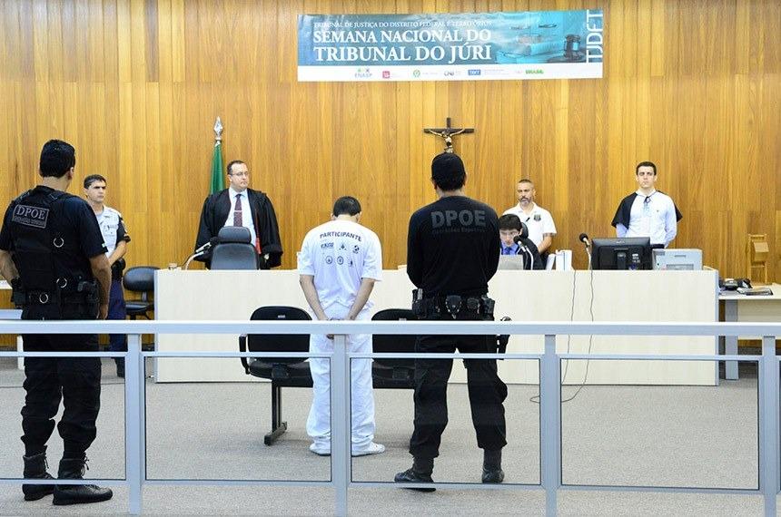 Projeto estabelece participação de intérprete de Libras no tribunal do júri