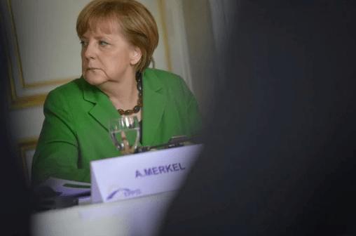 Criticada, Merkel desiste de novo lockdown na Alemanha e pede desculpas