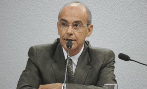 'Dizer que o tratamento precoce não tem efeito é mentira', afirma presidente do CFM