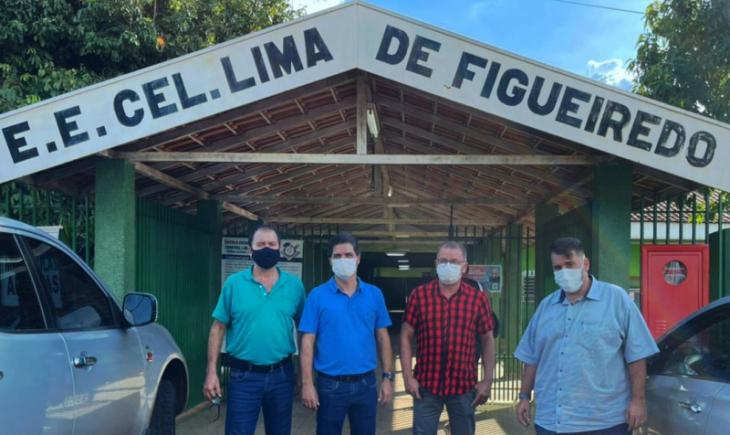 Presidente da Câmara Robert Ziemann, Vereador Joãozinho Rocha e Prefeito Marcos Calderan visitam reforma da Escola Lima de Figueiredo
