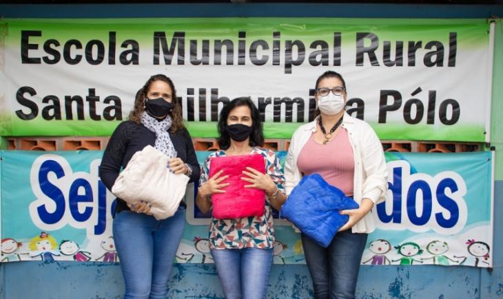 Campanha do Agasalho: Prefeitura entrega cobertores em todos os assentamentos de Maracaju
