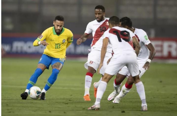 Com mudanças, Brasil abre 2ª rodada da Copa América diante da seleção peruana
