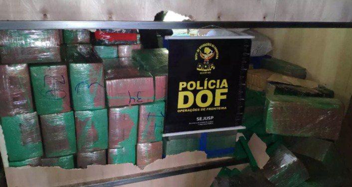 Polícia apreende 3 toneladas de maconha em em caminhão na MS-289