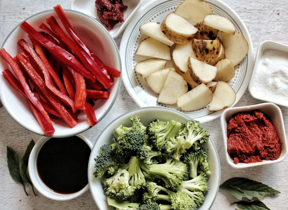Red bell pepper, tomato paste, red curry paste, sugar, broccoli, potato,soy sauce, and basil.