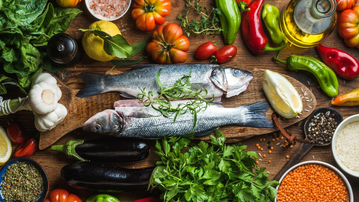 A vegan diet fairs better against a Mediterranean diet in terms of weight and cholesterol control, a study claims.