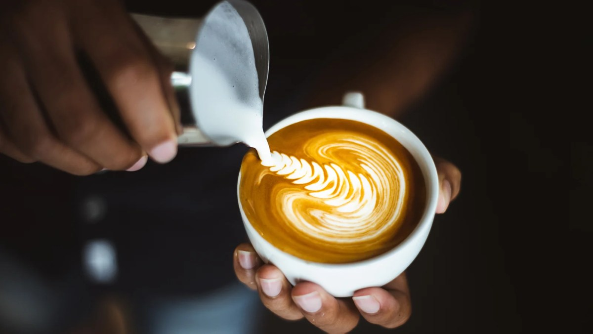 UK Cafés Starting To Charge Extra For Cow's Milk In Hot Drinks, Says Report