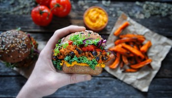 Foodservice Giant To Switch 40% Of Meat Offerings To Plant-Based Alternatives By 2030