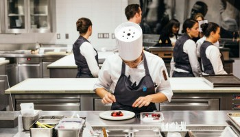 Iconic Michelin Star Restaurant Eleven Madison Park Ditches Meat - Launches Fully Plant-Based Food Menu
