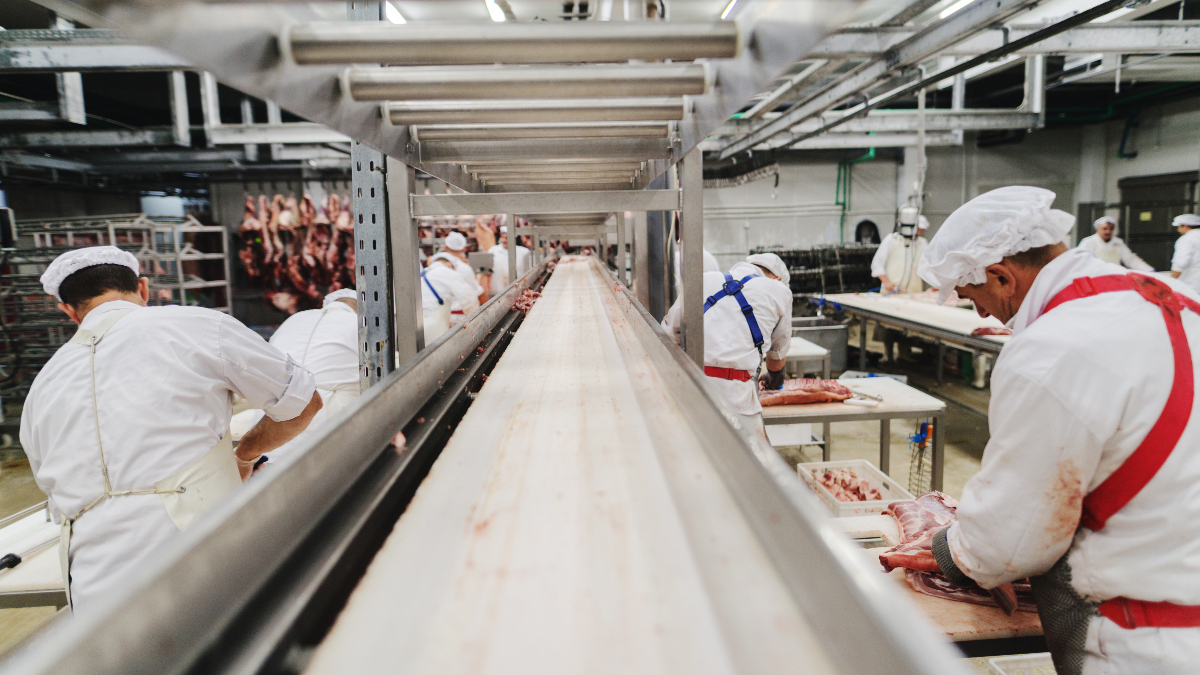 UK government bails out meat industry following CO2 shortages