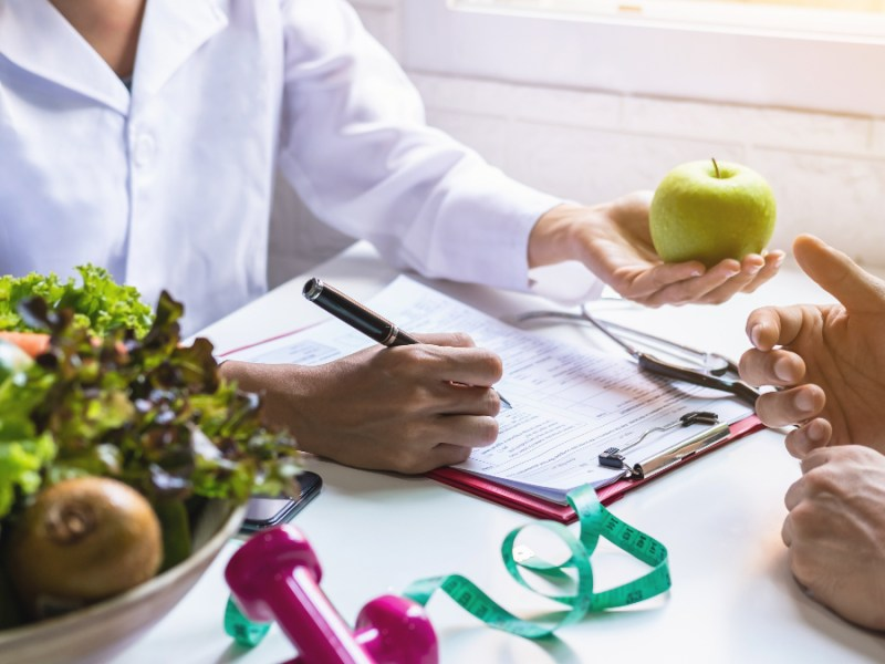 Top doctor calls for more plant-based food in hospitals