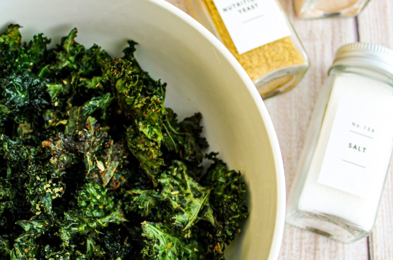 THE EASIEST CHEESY KALE CHIPS