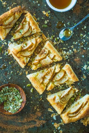 Chai Spiced Pear Tarts With Crushed Pumpkin Seeds | plantcrush.co
