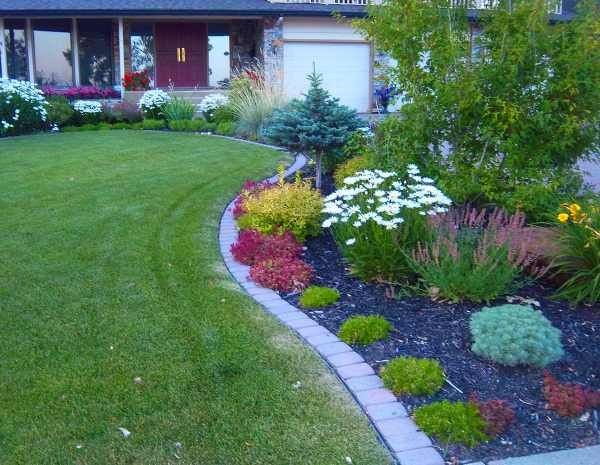 37 Creative Lawn and Garden Edging Ideas with Images ... on Backyard Border Ideas  id=49687