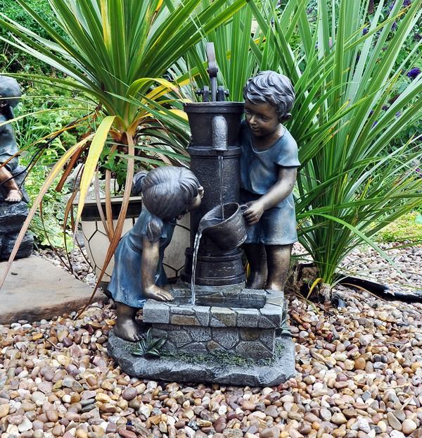 41 Inspiring Garden Water Features with Images - Planted Well on Small Backyard Water Features id=83543