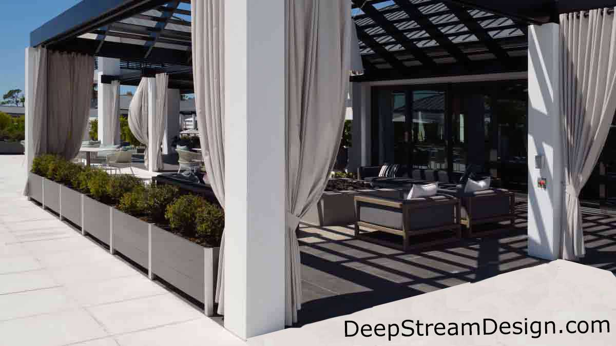 Click for DeepStream Restaurant planters