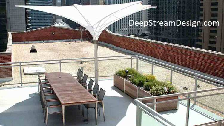 DeepStream's Large Lightweight Wood Planter System: click for more detailed information