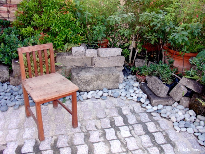 Is this really low maintenance, pebbles are hard to weed between and keep looking pristine like this garden.
