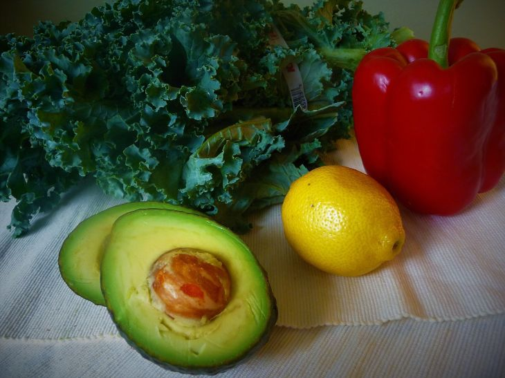 Fat from avocado and acid from lemon help counter the bitterness from the kale.