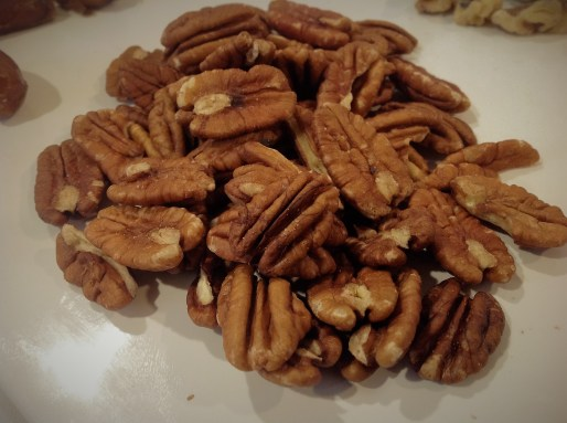 Derby Pie Flavors: Derby Pie is a mixture of pecans and chocolate for a decadent, rich dessert