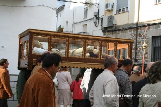Procesión del Cristo del sepulcro (Foto: JOSÉ MARÍA DOMÍNGUEZ MORENO)