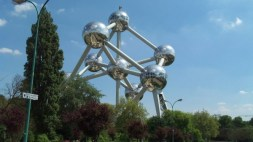 the atomium - brussels' eiffel tower