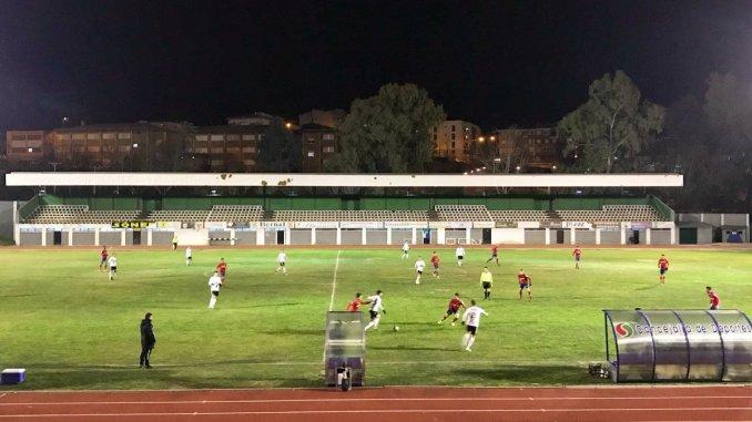 El Atlético Saguntino necesitó lo justo para inclinar la eliminatoria (0-2)