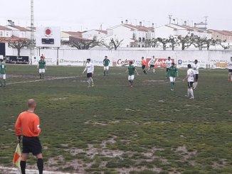 La UP Plasencia sale del 'charco' de Valdivia y se queda a un punto de los play off (0-1)
