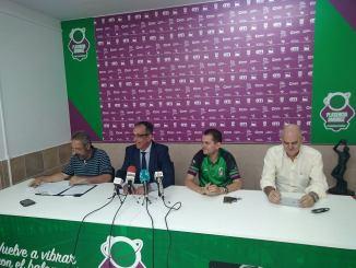 El Extremadura Plasencia presenta su proyecto con Rafa Sanz al mando