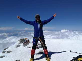El placentino sordociego Javier García Pajares alcanza la cima del monte Elbrus