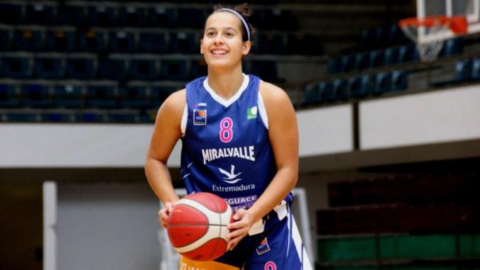 Acuerdo de salida de Rosa Garrido del Extremadura Miralvalle