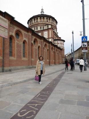 A la entrada de la Iglesia Santa Maria delle Grazie, donde se encuentra el fresco de La Última Cena