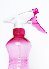 spray-bottle-2754171_1920