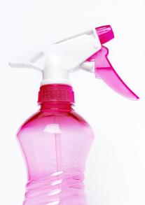 spray-bottle-2754171_1920