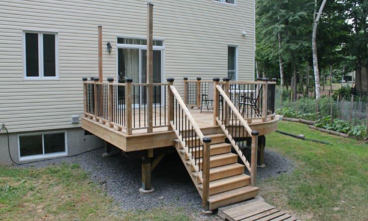 do deck stairs need footings