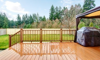 Slippery Deck 11 Effective Ways How To Make Decking Non Slip   Slippery Wood Stairs Outdoor   Composite Decking   Non Slip Stair Tread   Porch   Hardwood   Prevent Slips